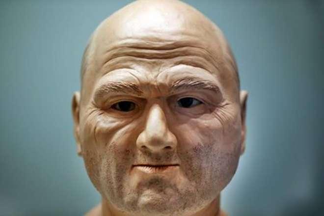Ecco come era l'uomo 15 mila anni fa, la ricostruzione in un museo tedesco